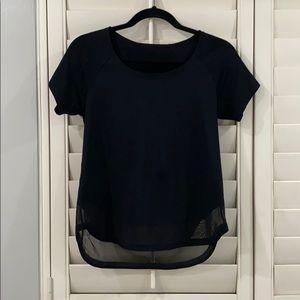 Black Lululemon tshirt size 4